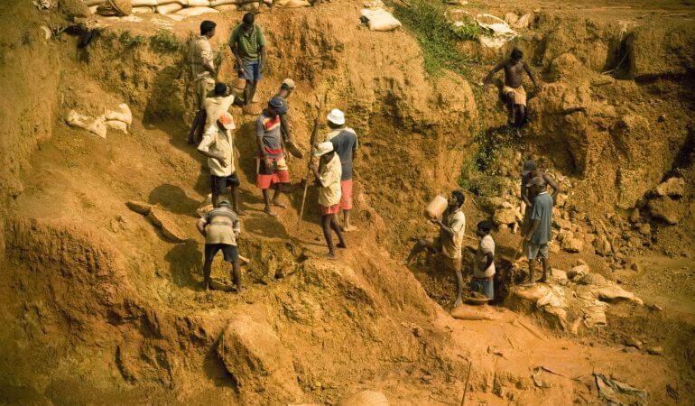 Visiting Ratnapura, to discover the gemstone mines of Sri Lanka