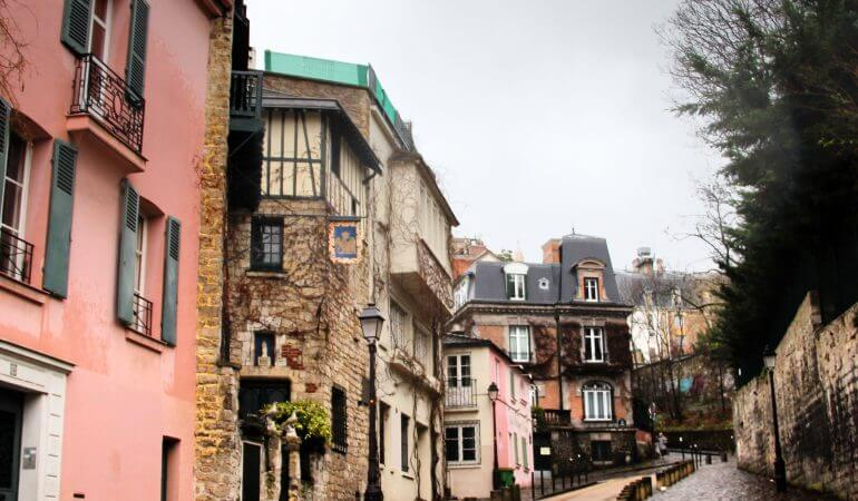 A walk through Montmartre, the most famous hill of Paris